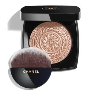 Chanel Holiday 2019 Illuminating Powder